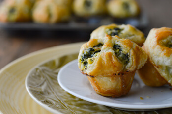 Easy Dinner Party Recipes That Will Impress your Friends - Spinach and Feta Puff Pastry Appetizers